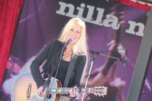 120715 - Nilla Nielsen 3